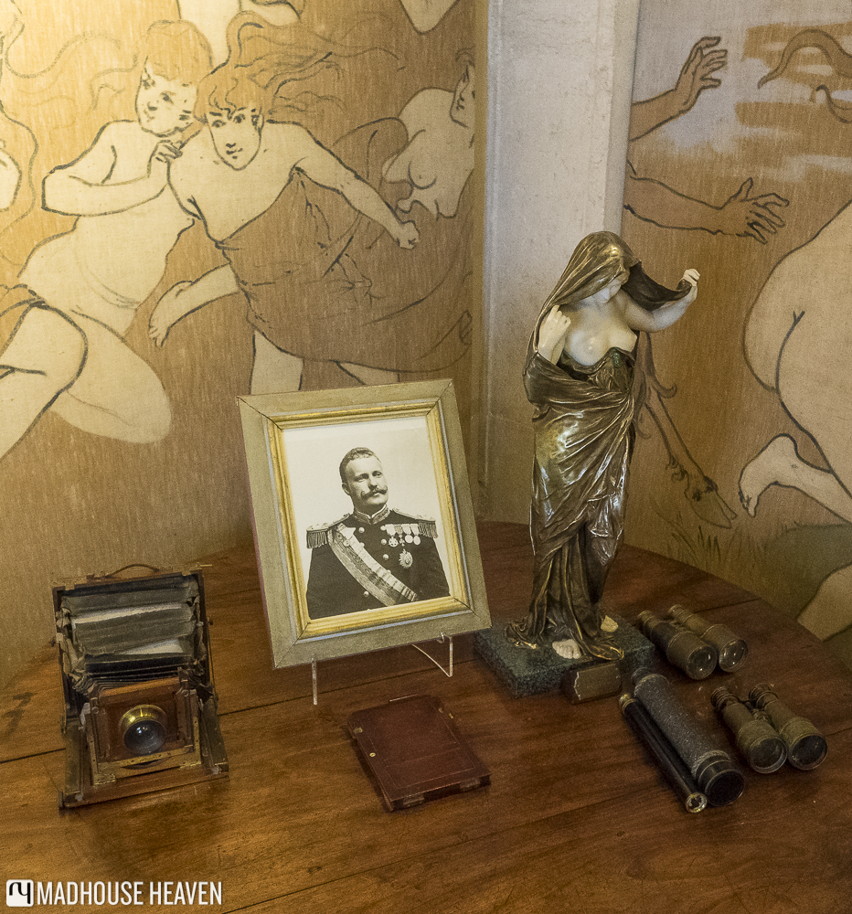 naked breasted desk statue, natureundresses herself before science, photograph of king ferdinand 2