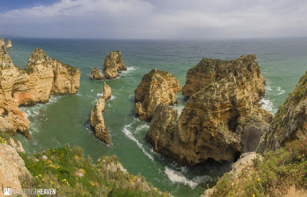 Portugal, Algarve, Limstone cliffs