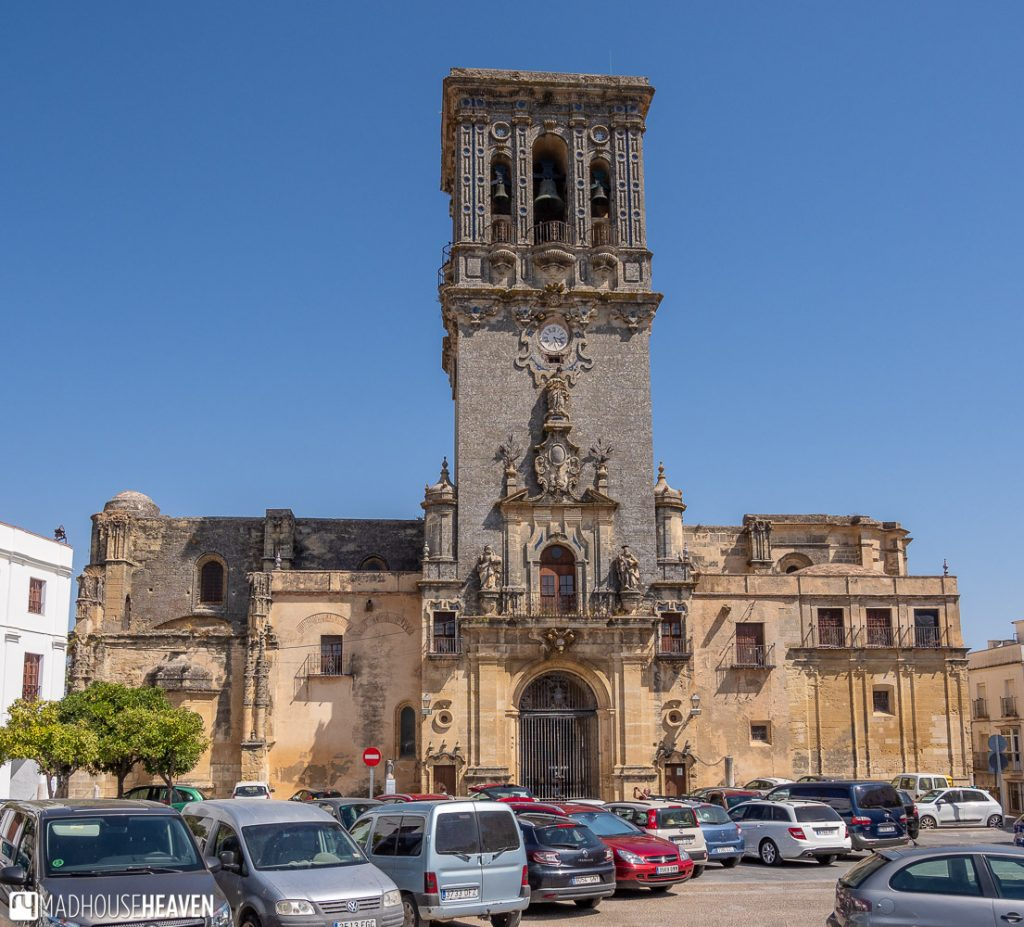 The main courtyard of Basílica de Santa María de la Asunción is unfortunately a parking lot that ruins the beauty of the old town around it